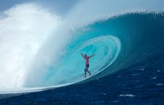 Congrats Kelly Slater for winning the Volcom Fiji Pro 13.. Full 20pts in his quarter final and no handed barrels, what a legend!