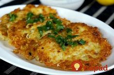 Potato pancakes with oat flakes Slovak Recipes, Oat Pancakes, Polish Recipes, Whole 30 Recipes, Mashed Potatoes, Cauliflower, Paleo, Food And Drink, Chicken