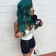 "4,478 Likes, 22 Comments - ⬆️@mollyhull_ (@dropdeaddolls) on Instagram: ""Beautiful •  @chloe_theyoungamerican  • #dyedhair #coloredhair #blackhair #greenhair #bluehair…"""