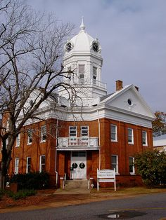 The Old Courthouse Museum is an historic site in Monroeville, Alabama. Harper Lee put Monroeville on the map when she wrote 'To Kill A Mockingbird'.  The city is the hometown of Harper Lee as well as Truman Capote. (V)