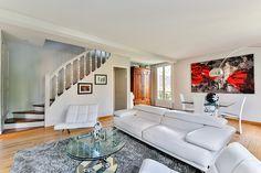 Narożnik czy sofa do małego salonu?