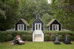tiny house cluster. I love this...it just needs covered walkways between them and it would be a perfect weekend beach house....