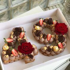 מזל טוב לורד  #chocolate #gargeran #birthdaycake #rose #strawberry #macarons