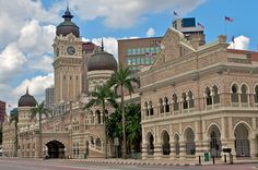 Sultan Abdul Samad Building in Kuala Lumpur. Kuala Lumpur flights Now your journey to Kuala Lumpur will be even more fun! Grab exclusive deals and discounts on all holidays & flights bound for Kuala Lumpur with Travel Trolley! Hurry Book Now