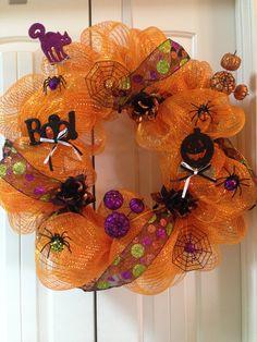 Halloween wreath!! Cute!