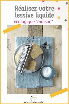 Teste ma recette zéro déchet de lessive liquide écologique maison facile (DIY) à base de savon de Marseille. Pour nettoyer le linge sale. Peut s'utiliser dans la machine à laver ou pour une #lessive à la main. Tuto pas à pas et étiquette gratuite pour le flacon à télécharger. Avec la recette de l'adoucissant en bonus. Facile, rapide et économique. #lessive #liquide #savon #diy #zerodechet Coin, Permaculture, Blog, Laundry Detergent Recipe, Paper Glue, Glass Containers, Blogging