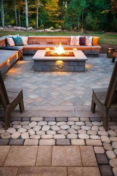 Acquire fantastic suggestions on fire pit backyard seating. They are actually - Fire Pit - Ideas of Fire Pit - Acquire fantastic suggestions on fire pit backyard seating. They are actually available for you on our internet site. Backyard Seating, Backyard Patio Designs, Backyard Landscaping, Landscaping Ideas, Diy Patio, Fire Pit Area, Fire Pit With Seating, Luxury Landscaping, Stone Patio Designs