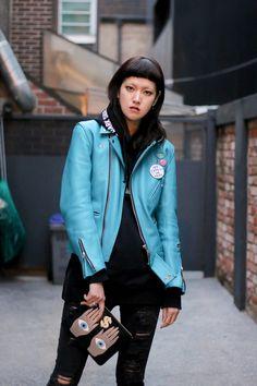 Shin Hae Nam (YG Kplus) carrying Poppy Lissiman