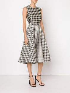 All day dresses. Never be stuck without something to wear with our collection of designer day dresses at Farfetch. Lovely Dresses, Day Dresses, Casual Dresses, Fashion Dresses, Lela Rose, Lawyer Fashion, Batik Dress, Check Dress, Ladies Dress Design