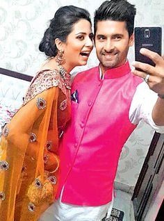 Telly actor Ravi Dubey loves to click selfies with wife Sargun Mehta. We spotted the couple in action at Ravi's brother's wedding recently Tv Couples, Celebrity Couples, Indian Wedding Photography, Couple Photography, Tv Actors, Actors & Actresses, Ravi Dubey, Bollywood Celebrities, Bollywood Fashion