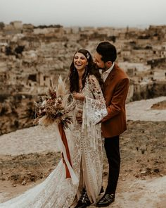 "Junebug Weddings on Instagram: ""Every earthy wedding dream we've had came true through this breathtaking styled shoot 😍😍 Shot amid the romantic landscape of Italy, this…"" Romantic Destinations, Hair And Makeup Artist, Elopement Inspiration, Wedding Vendors, Weddings, Wedding Attire, Earthy, Dream Wedding, Instagram"