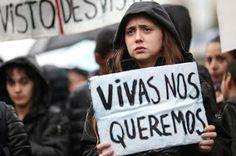 El movimiento feminista prepara una huelga internacional de mujeres para el 8 de marzo.  Los paros convocados en Argentina y Polonia a finales de 2016 han llevado a decenas de países a coordinarse para realizar una acción global el próximo Día Internacional de la Mujer.  Marta Borraz | El Diario, 2017-02-17 http://www.eldiario.es/sociedad/movimiento-feminista-prepara-internacional-mujeres_0_613139416.html