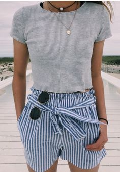 44 Hervorragende Outftis-Sommerideen für Mädchen im Teenageralter Outfits 2019 Outfits casual Outfits for moms Outfits for school Outfits for teen girls Outfits for work Outfits with hats Outfits women Looks Style, My Style, Teen Girl Style, Style Blog, Beach Girl Style, Girl Beach, Trendy Girl, Beach Look, Mode Vintage