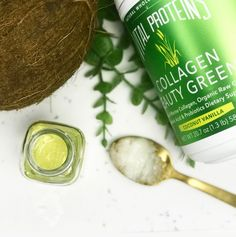 Fight Wrinkles With This Jennifer Aniston-Approved Drink Moisturizing Face Mask, Vital Proteins, Raw Coconut, Summer Beauty, All Things Beauty, Clear Skin, Healthy Skin, Collagen, Beauty Hacks