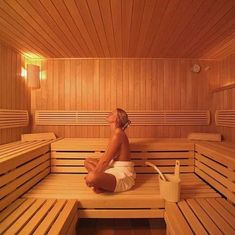 5 Great Health Benefits Of Using A Dry Sauna Sauna House, Sauna Room, Outdoor Sauna, Outdoor Baths, Traditional Saunas, Dry Sauna, Sexy Home, Pool Photography, Sauna Design