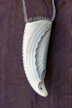 Rongomau – The Art of Gareth Barlow Wood Carving Art, Bone Carving, Jewelry Crafts, Jewelry Art, Maori Tribe, Bone Crafts, Maori Designs, Antler Art, Nz Art