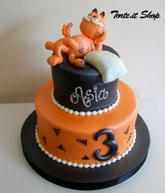 Why have I chosen the Garfield cake? A simple real cake for a wonderful little girl Pretty Cakes, Cute Cakes, Garfield Cake, Garfield Birthday, Fondant Cakes, Cupcake Cakes, Vet Cake, Funny Cake, Easy Cake Decorating
