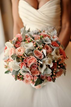 Wedding bouquet idea; Featured Photographer: Jess and Nate Studios