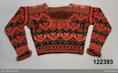 "Swedish color knitted ""sweater"" from Bjuråker in Hälsingland. Intarsia Patterns, Knit Patterns, Knitting Designs, Knitting Projects, Textiles, Folk Costume, Sweater Fashion, Traditional Outfits, Christmas Sweaters"