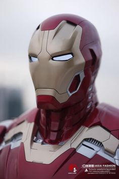 Helmet close up. Iron man age of ultron Marvel Comics, Marvel Comic Universe, Marvel Heroes, Marvel Avengers, Iron Man Cosplay, Iron Man Art, Iron Man Helmet, Iron Man Movie, Iron Man Avengers