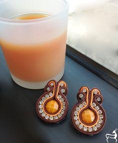 Orange... Purchase info gazellasdesign@gmail.com or or visit www.poshmark.com/closet/gazellasdesign #soutache #earrings #elegantearrings #elegance #fashionpolis #texasfashion #madeforyou #handmade #trendingcolors #summer #summercolors #handmadeset #accesoriesshop #custommade #jewelry #texas #houstongram #getyours #trendingnow #jewelryset #onlineshopping #onlinestore #shophouston #brownnecklace @gazellasdesign