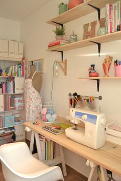 Sewing Room Design, Sewing Room Decor, Study Room Decor, Sewing Spaces, Sewing Room Organization, Sewing Rooms, Room Design Bedroom, Bedroom Decor, Pastel Room