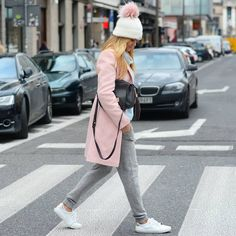 "Magda Suzynowicz na Instagramie: "" the best #pink coat ever from @laurellefashion #friday #ootd #me #style #fashion #warsaw #streetstyle #cool #look #happy #me #blogger #city #street #cap #pinkpower #citycenter #moda #warszawa #blog #polishbrand #polskamarka #sneakers #stefanel #gant #laurelle #moliera2 #yvessalomon @moliera2 @yves_salomon @paulinaschaedelcom @stefanel_official @ledesirfashion @mivoshoes @gant1949 @karolinachudyba"""