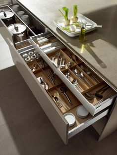 Kitchen Drawer Dividers | Organize It!