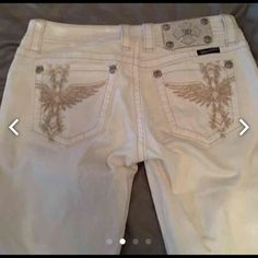 White Miss Me Skinny Jeans Size 28 Bought these for my daughter maybe worn twice.  Paid 119.00 plus tax. No spots. Perfect condition. Miss Me Pants Skinny