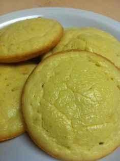Almond Flour Buns (paleo friendly if substitute coconut oil instead of butter) Almond Flour Recipes, Gluten Free Recipes, Low Carb Recipes, Cooking Recipes, Healthy Recipes, Biggest Loser Recipes, Unprocessed Food, Best Food Ever, Low Carb Bread