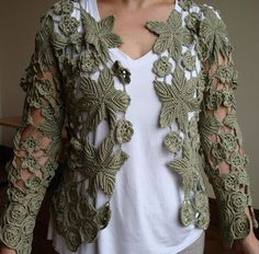 Vanessa Montoro, Irish crochet with silk thread. Crochet Coat, Crochet Jacket, Crochet Cardigan, Crochet Trim, Crochet Yarn, Crochet Clothes, Crochet Stitches, Vanessa Montoro, Freeform Crochet