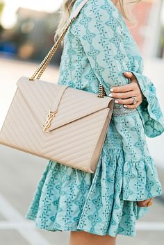 Women's Purses : Wonderful mint dress with nice details and a nude YSL bag - Fashion Inspire Chanel Handbags, Luxury Handbags, Fashion Handbags, Fashion Bags, Leather Handbags, Women's Fashion, Designer Handbags, Designer Bags, Review Fashion