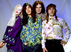 The best and worst picture of the smashing  pumpkins ever!!!! I love it
