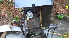 DIY Video : How to generate Off grid Electricity all day from a river or stream by building a Simple Water Wheel Electric Generator Solar Powered Generator, Diy Generator, Homemade Generator, Water Turbine, Carpet Cleaners, Off The Grid, Alternative Energy, Diy Videos, Small Living