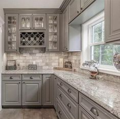Solid Wood Kitchen Cabinets, Solid Wood Kitchens, Rustic Kitchen Cabinets, Kitchen Cabinet Design, Kitchen Redo, Interior Design Kitchen, Cool Kitchens, Kitchen Remodel, Kitchen Ideas