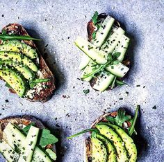 Avocado + Cucumber + Rocket + Chive + Sea salt flakes + Cracked black pepper on toasted bread!💚 Morning guys! Are you tired of my toasts yet? I hope not! Cause I love them and I'm gonna keep making them!😛 Wish you a lovely day!