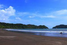 Sweeping Playa - Playa Herradura, Costa Rica by PhilippinePhotos, via Flickr