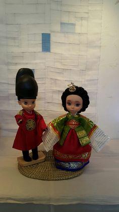 단령을 입으신 임금님과 녹원삼을 입으신 왕비님~^^ 베이비돌 쟈스민과 라푼젤~ 어울리나요?