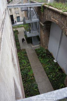 Desinger: Piet Oudolf No. Urban Planning, Garden Plants, Garden Landscaping, Landscape Design, Sidewalk, Chanel, Exhibit, Culture, Architecture