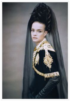 Vogue Italia September 2006 Couture Supplement, Like A Painting Natalia Vodianova by Paolo Roversi Paolo Roversi, Natalia Vodianova, Fashion Mode, Fashion Art, High Fashion, Fashion Design, Fashion Shoot, Mario Testino, Jean Paul Goude