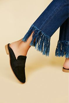 f0326f2b669 Slide View 1  At Ease Loafer Loafer Mules