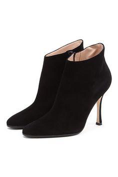 #tsum, #fashion, #shoes, #manoloblahnik