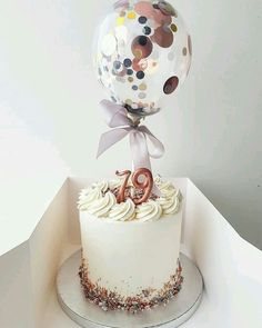 Many individuals don't think about going into company when they begin cake decorating. Many folks begin a house cake decorating com 19th Birthday Cakes, Birthday Cakes For Women, 25th Birthday, Buttercream Cake, Fondant Cakes, Cupcake Cakes, Drip Cakes, Cute Cakes, Pretty Cakes