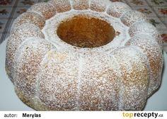 Rychlá a dobrá bábovka recept - TopRecepty.cz Doughnut, Candle Holders, Bread, Food, Brot, Essen, Porta Velas, Baking, Meals