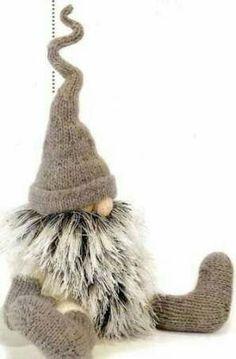 Knitting Patterns Christmas 61 Ideas for knitting christmas socks decoration Swedish Christmas, Scandinavian Christmas, Christmas Fun, Christmas Projects, Handmade Christmas, Christmas Ornaments, Sock Crafts, Holiday Crafts, Christmas Knomes