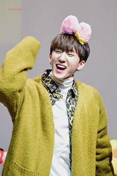 Changbin my beb Lee Min Ho, Rapper, Fandom, Jennie Lisa, Lee Know, Kpop Boy, Minho, K Idols, Boys Who