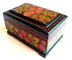 Khokhloma Strawberries Lacquer Box