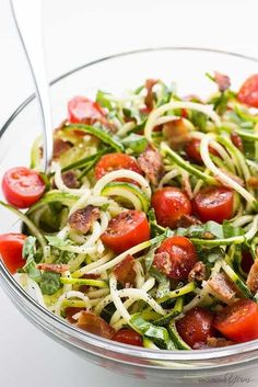 Zucchini Noodle Salad Recipe with Bacon & Tomatoes (Low Carb, Paleo) - This cold zucchini noodle salad recipe is a delicious, healthy way to enjoy raw spiralized zucchini noodles. Quick & easy with common ingredients! Omit tomatoes for aip Salad Recipes With Bacon, Fresh Tomato Recipes, Pasta Salad Recipes, Bacon Recipes, Healthy Dinner Recipes, Vegan Recipes, Cooking Recipes, Supper Recipes, Free Recipes