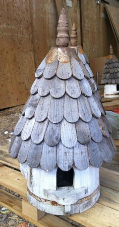 Traditional Attractive Small Round Dovecote - Dove Cote - Bird House