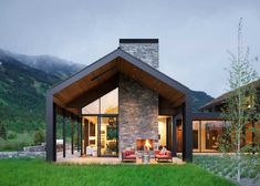 Compound House, Modern Barn House, White Oak Floors, Home Fashion, Floor Plans, Cottage, Lone Pine, House Styles, Metal Buildings